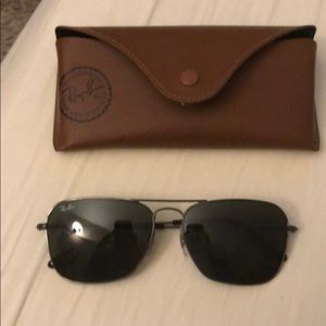 Like new Caravan Raybans w pouch